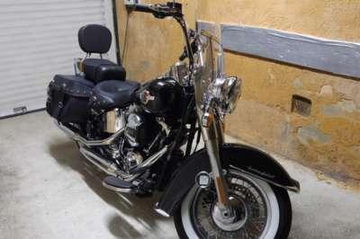 Harley Roadking au Relais de Montchat